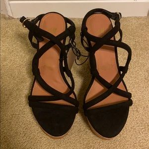 Black Strap Wedges BRAND NWT Size 35 / US size 5